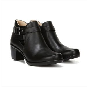 Naturalizer New Ella Black Leather Ankle Booties Boots Shoes Block Heel Size 9